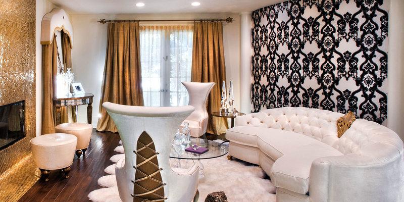 Барокко в интерьере, особенности стиля. Характерные черты барокко, в чем они проявляются. Как оформить помещение в стиле барокко. Выбор мебели и декора в стиле барокко.
