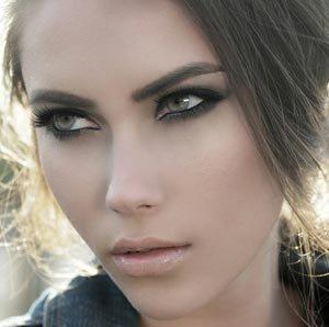 Обладательницы прекрасных зеленых глаз смогут узнать основные правила и оттенки для