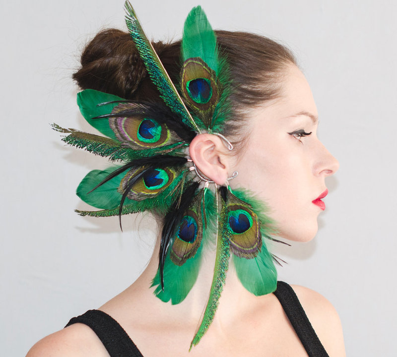 Ear cuff was made using mix of feathers. Sale