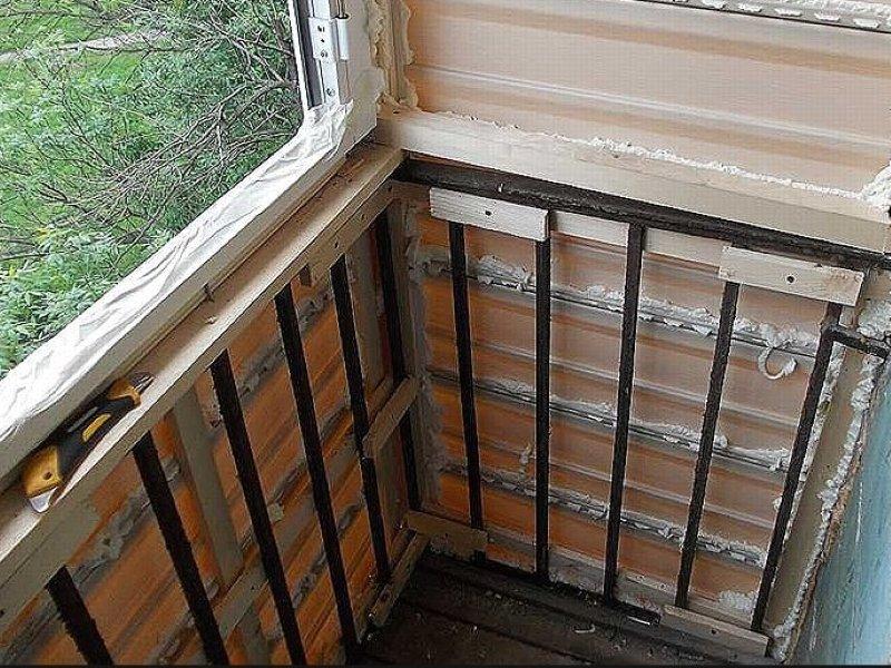 """Как обустроить маленький балкон в хрущевке: идеи фото"""" - кар."""