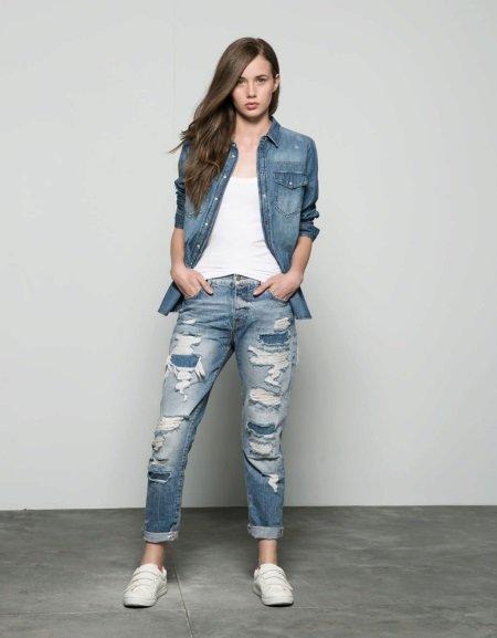 Самым универсальным элементом женского гардероба являются джинсы.
