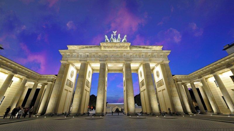 Бранденбургские ворота в городе Берлин.