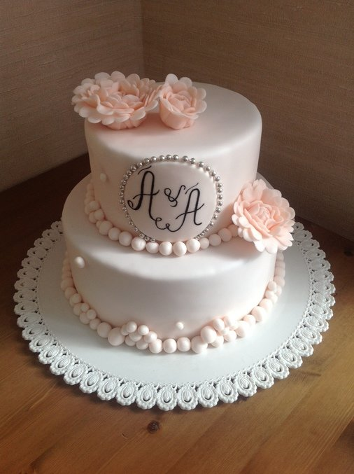 Торт свадебный с буквами