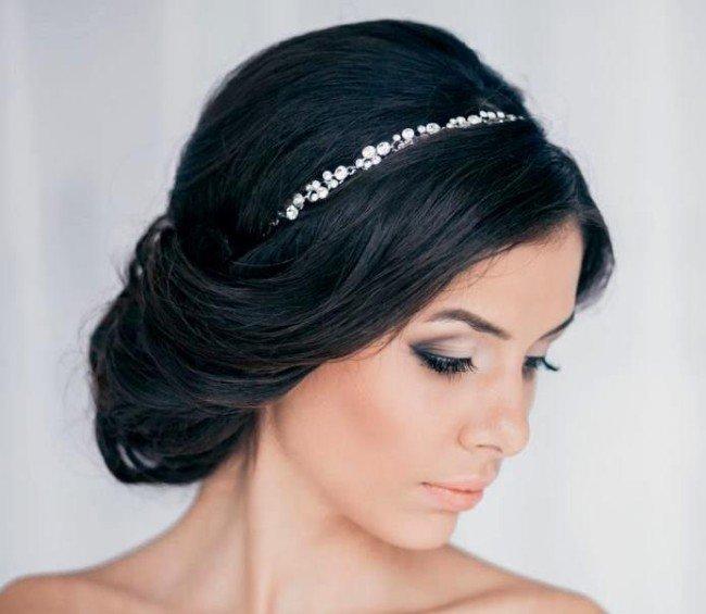 Простая свадебная причёска
