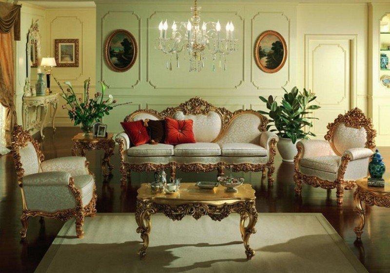 На фото: интерьер в стиле ампир с массивной мебелью