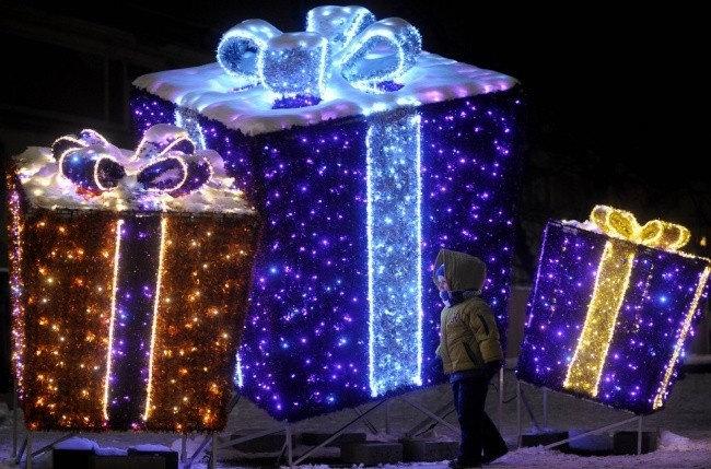 Рождественские инсталляции на Замковой площади в Варшаве, Польша