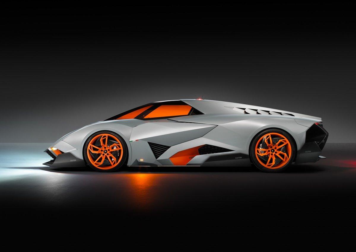 Еще одной супер новинкой отметил свой 50-летний юбилей итальянский автопроизводитель представив миру новый концепткар Lamborgini Egoista Concept.