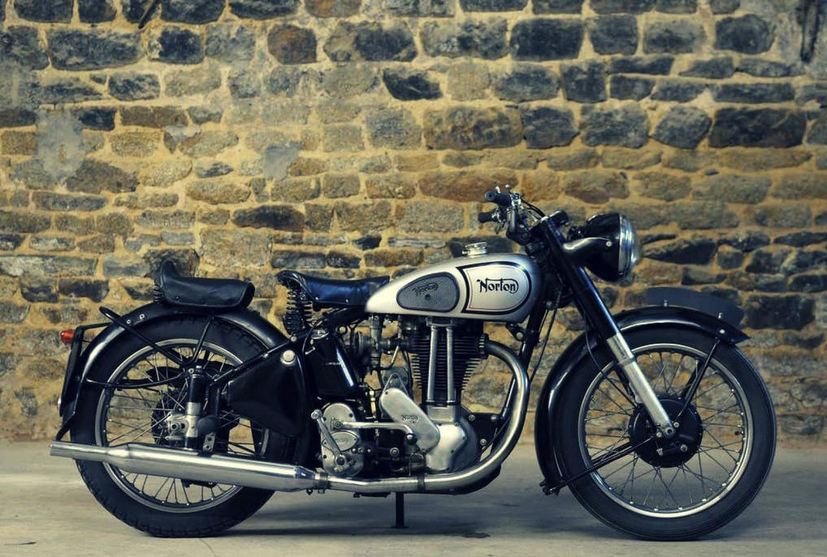 фото винтажных мотоциклов является практически самой