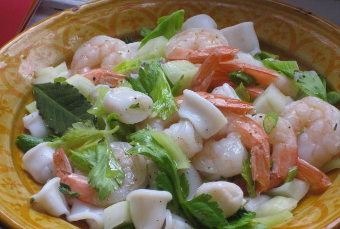 Салат кальмары креветками рецепт фото