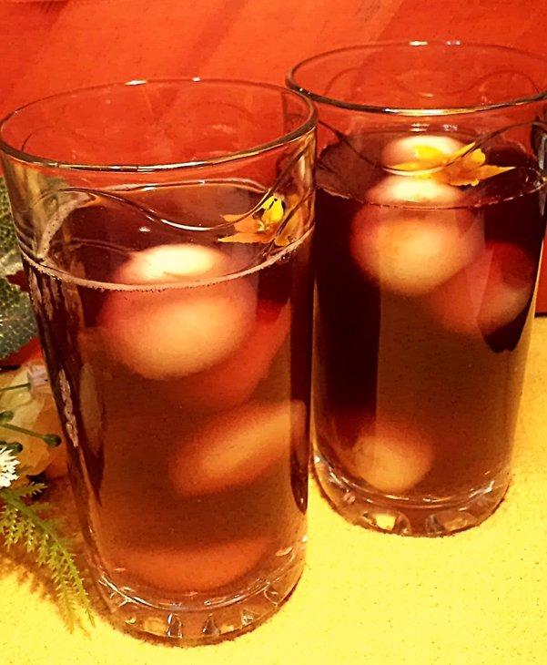 Желе из чая каркаде с фруктовыми шариками!
