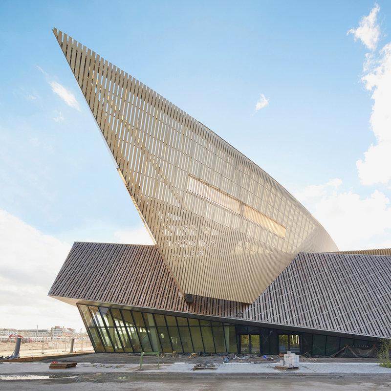 Современная архитектура. Конференц-центр в Монсе, Бельгия.