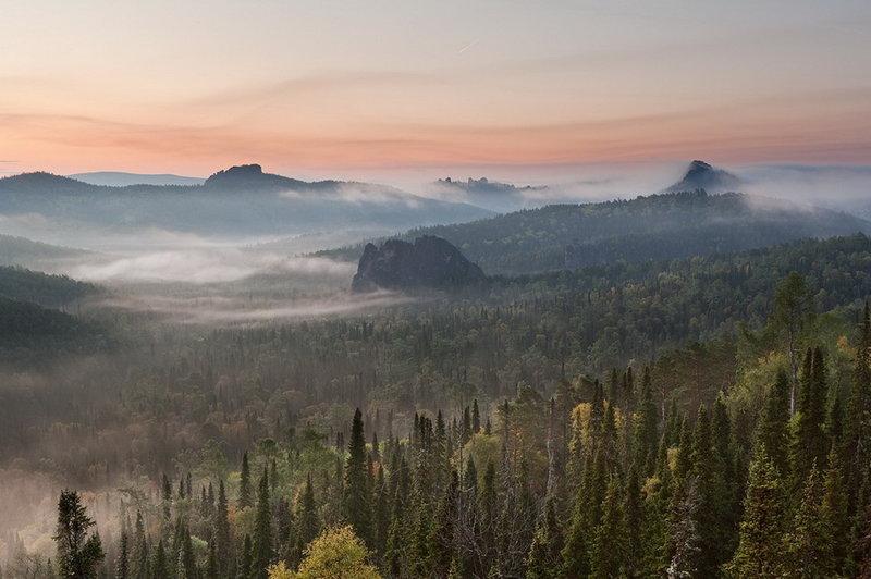 Природа Сибири.   Природа никогда и нигде не бывает не замечена. Будь то солнечная часть  света, будь то север, запад или восток. Если реч...