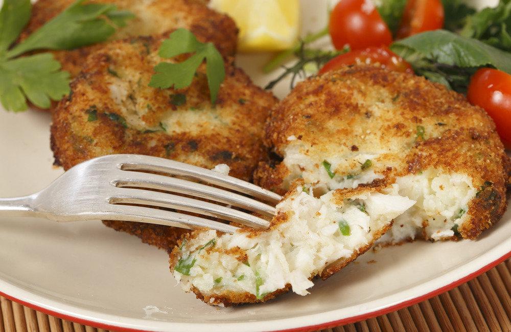 Кулинарные рецепты как приготовить самые вкусные рыбные котлеты несколько советов о том, из какой рыбы лучше готовить фарш для котлет, какие ингредиенты в него можно добавлять и как сохранить сочность блюда.