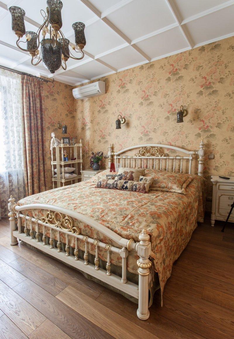 Детская комната для девочки в викторианском стиле