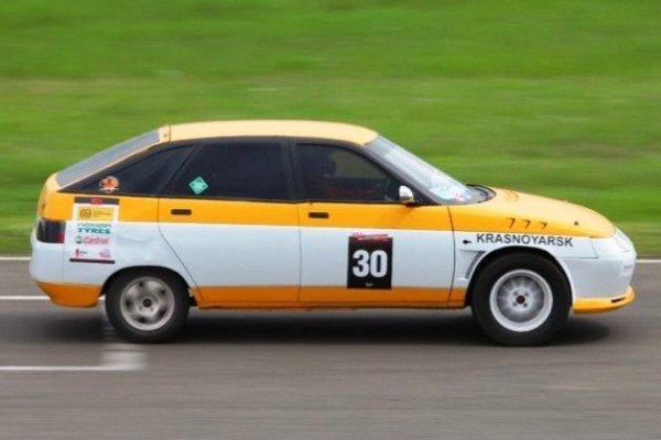 Вся информация о автомобиле участвовавшем на соревнованиях по дрэг-рейсингу, его результатах, пилоте который управлял этим автомобилем и другая информация.
