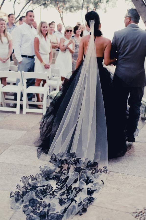 Готическая свадьба в черных тонах.