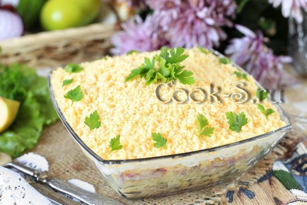 Простой Слоеный салат из сардины