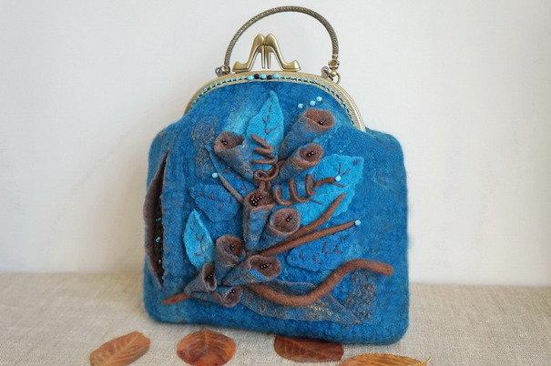 Валяная сумочка с фермуаром Нептуния ручная работа. Вещь продаётся самим автором без наценки торговой площадки.