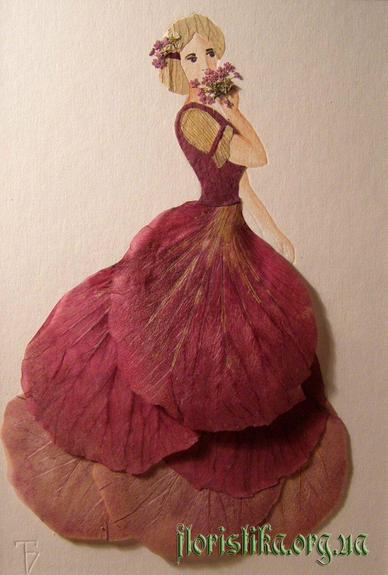 платье из цветочных пелюстков
