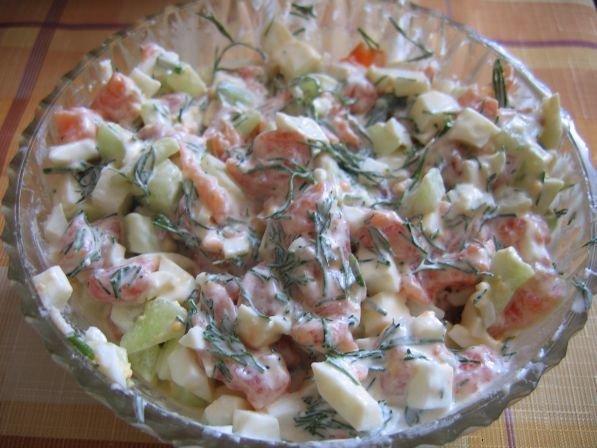 салат с красной рыбой с фото