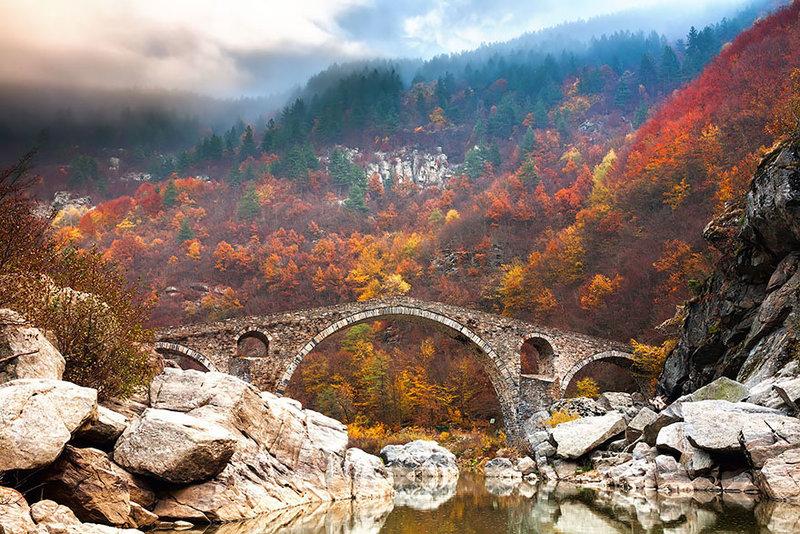 Дьявольский мост в горах Родопы, Кырджалийская область на юге Болгарии