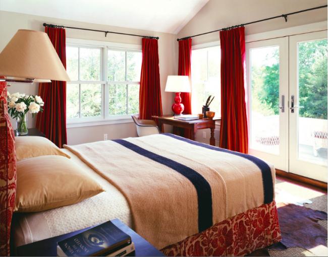 Дизайн штор для спальни: фото и новинки 2016 года в интерьере; дизайн штор и тюлей для спальни к классическом и современном стиле для маленькой спальни.