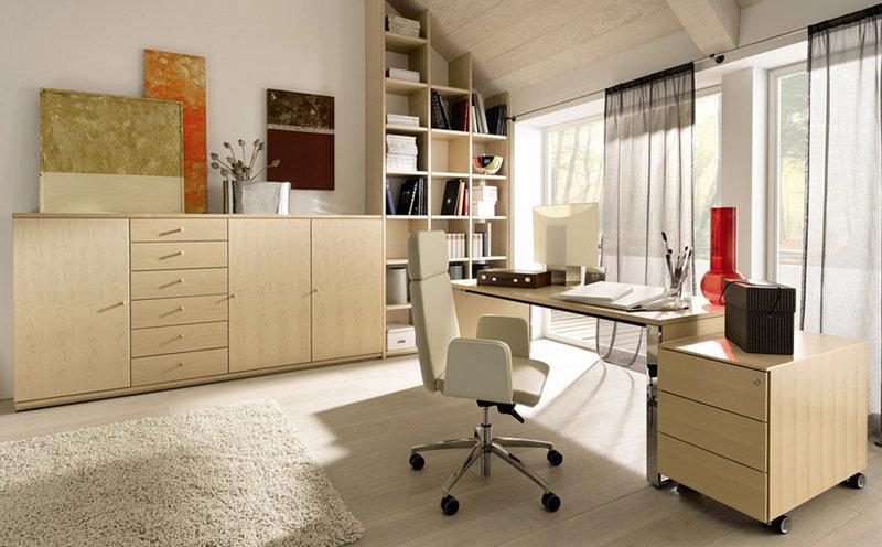 Дизайн интерьера кабинета для женщины в приятных светлых тонах