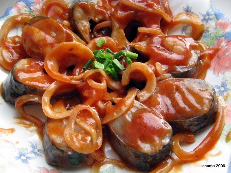 Отварная ставрида в томатном маринаде