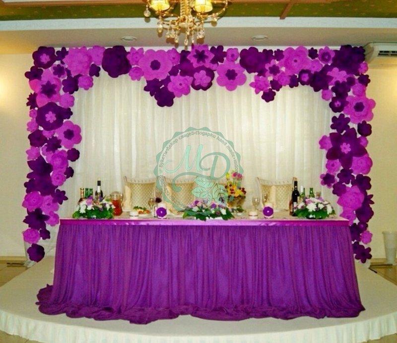 Оформление зала бумажными цветами