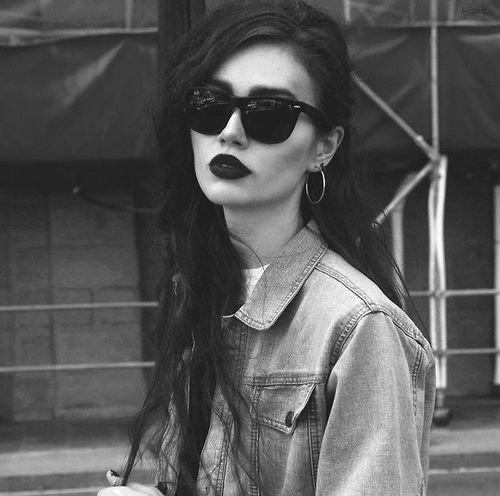 девушка фото черно белые