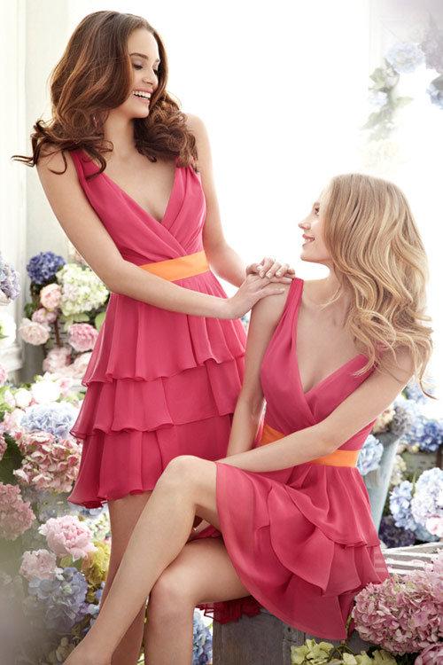 Малиновые платья короткие