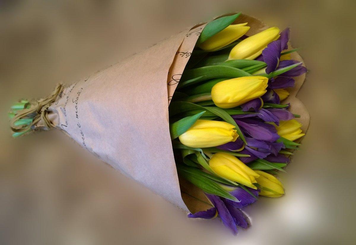 Тюльпаны букеты в бумаге фото