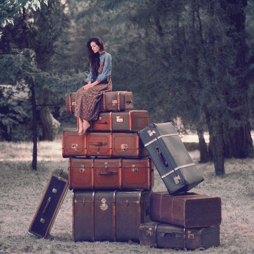 Прикольные картинки женщина с чемоданом