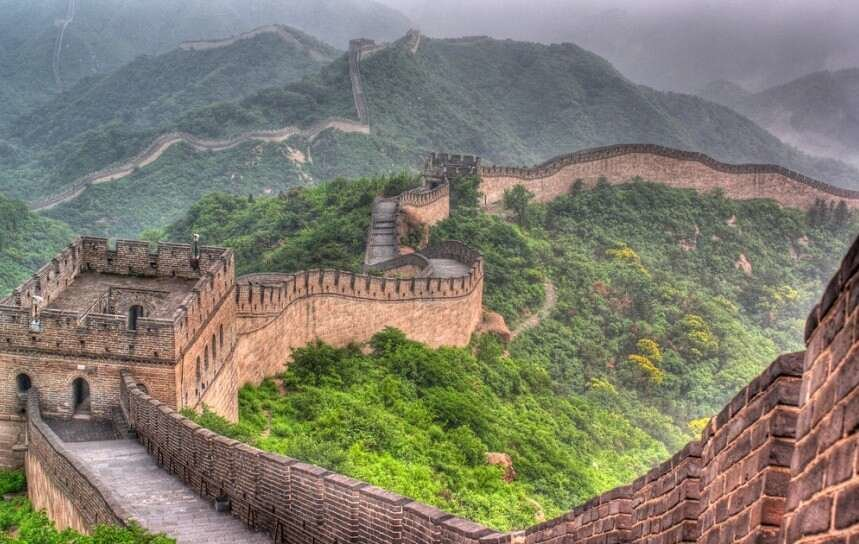 an introduction to the great wall of china Jinshanling great wall is located in luanping county, hebei province and is 125 kilometers northeast of beijing this section is connecte to the simatai section of the great wall and starts from longyu pass in the west ending at.