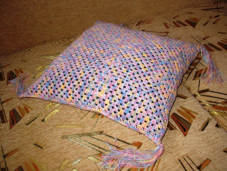 Вязаная наволочка для подушки.