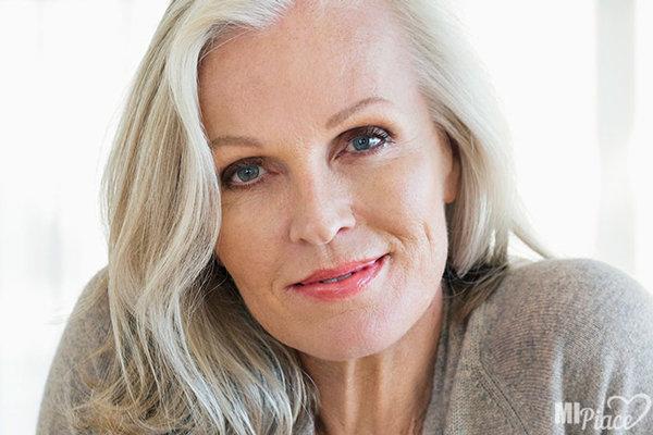 Косметика для женщины в 60 лет