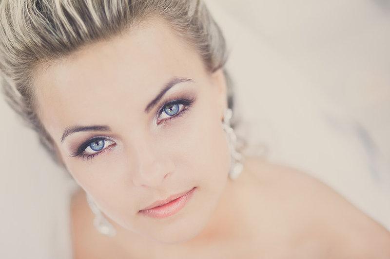 Свадебный макияж для голубых глаз.