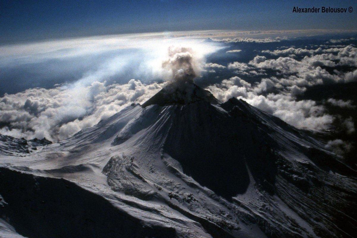 вулкан безымянный камчатка фото его часть