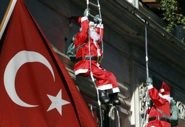 Новый год в Стамбуле, украшения санты