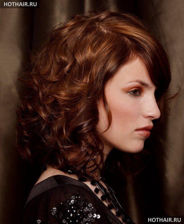 Локоны на средние волосы медного оттенка с прямыми корнями