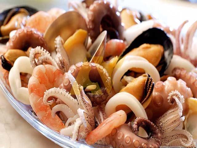 Салат из морепродуктов «Морской каприз»,