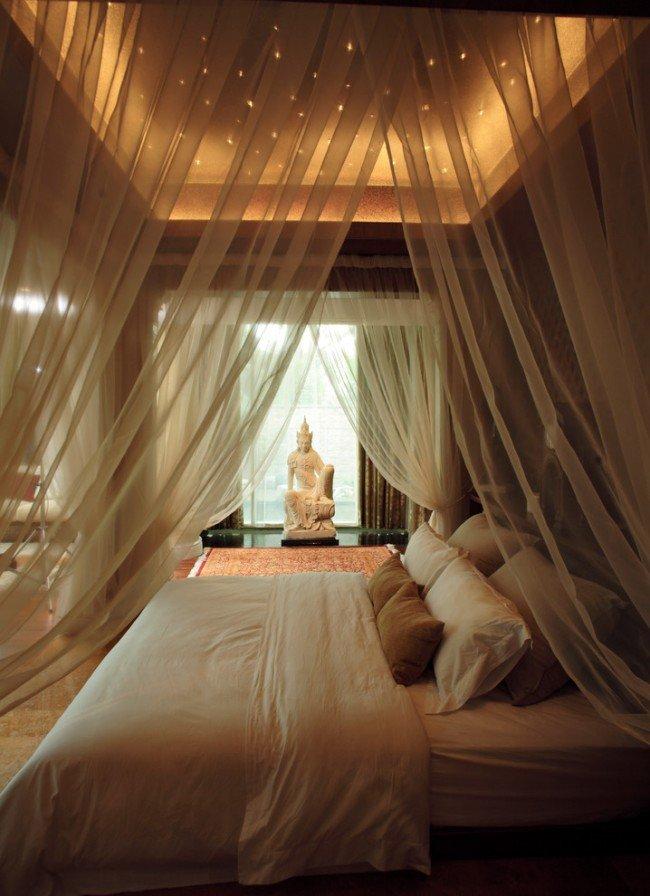 Балдахин над кроватью с каркасом в виде короны Сегодня балдахин – скорее декоративная, чем утилитарная деталь дизайна. Когда-то в средние века прочные...