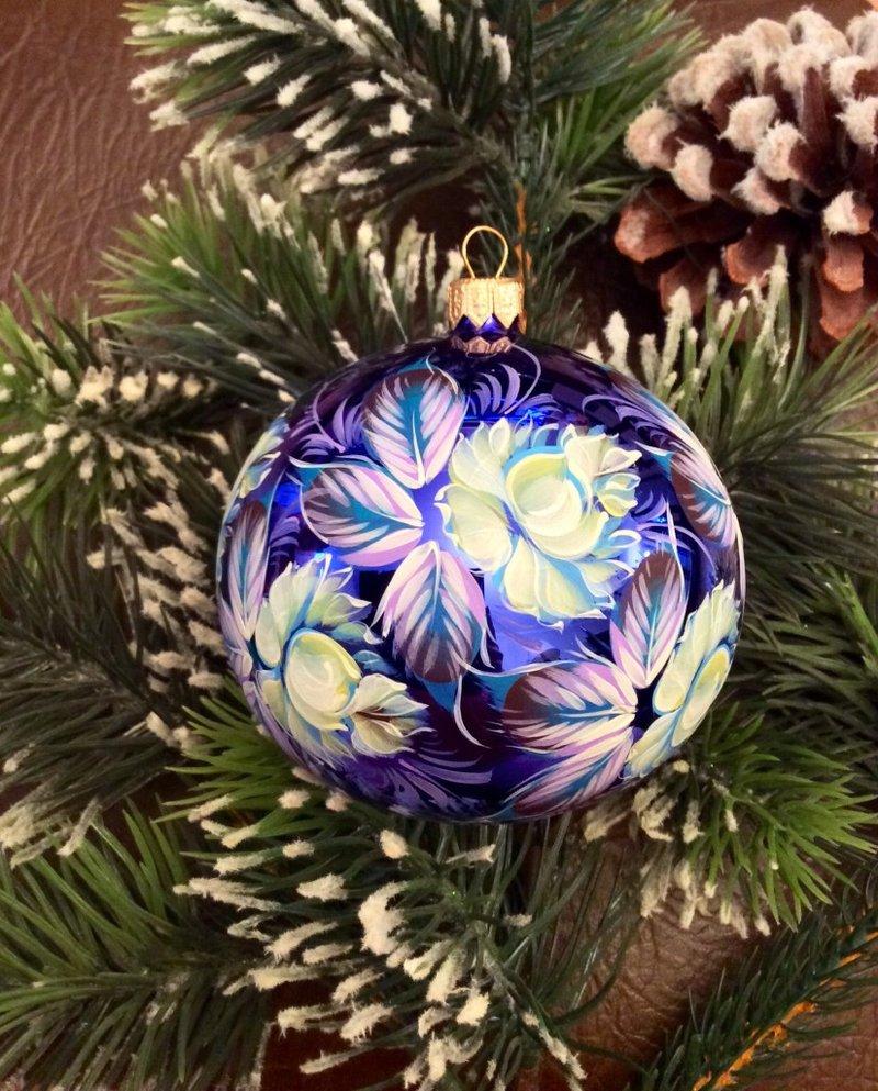Цветы 9, 95 мм Стеклянный шар в индивидуальной упаковке.