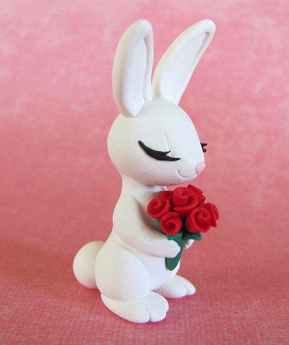 зайчик с розами