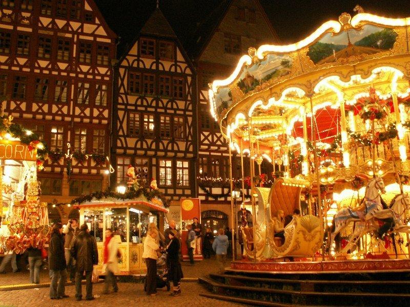 Западной Европе со середины ноября подготовка к Рождеству идет полным ходом.