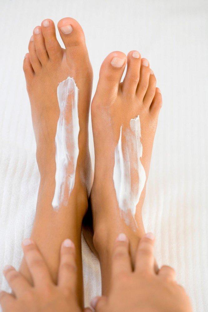 фото ступней девушки смазанных маслом - 5