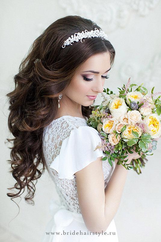 Фото свадебных причесок с ободком 69