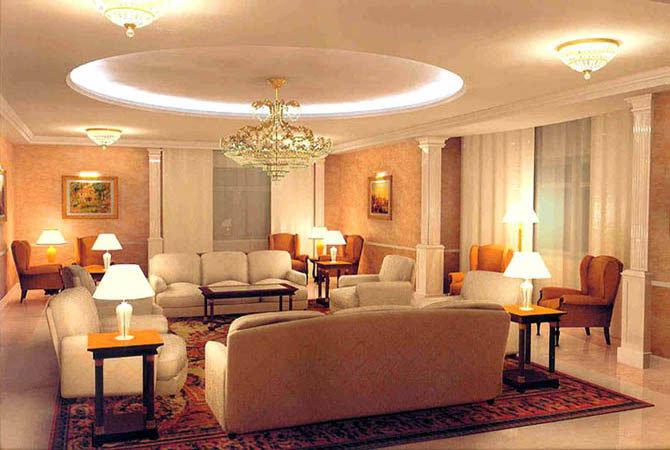 Интерьер королевской гостинной