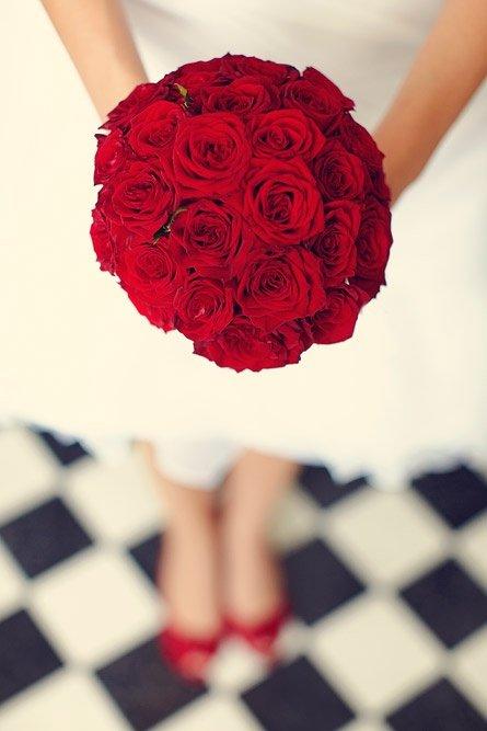 Букет невесты и особенности его выбора. Классификация свадебных букетов.