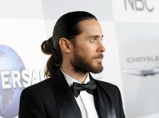 Почему у женщин длинные волосы а у мужчин короткие